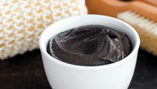 How to Make Your Own Charcoal Face Mask
